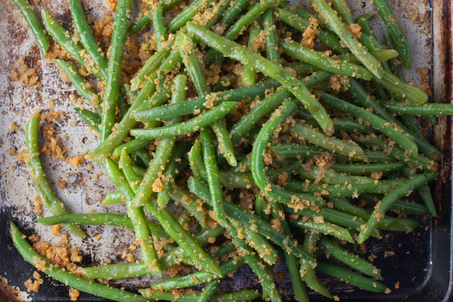 Grill Sautéed Green Beans with Golden Crumbs